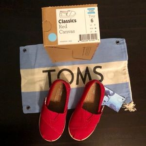 Kids' TOMS classic red shoe